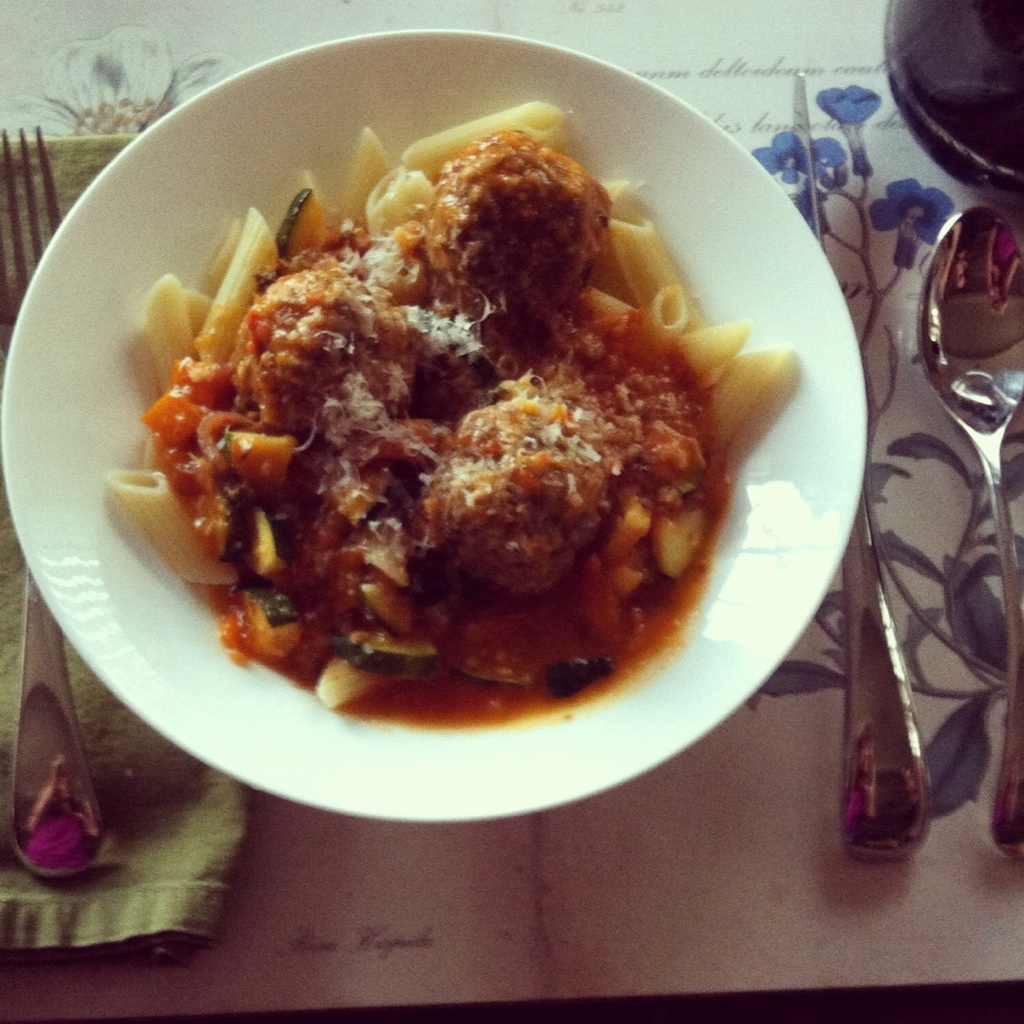 Alice Water's Simple Tomato Sauce With Meatballs