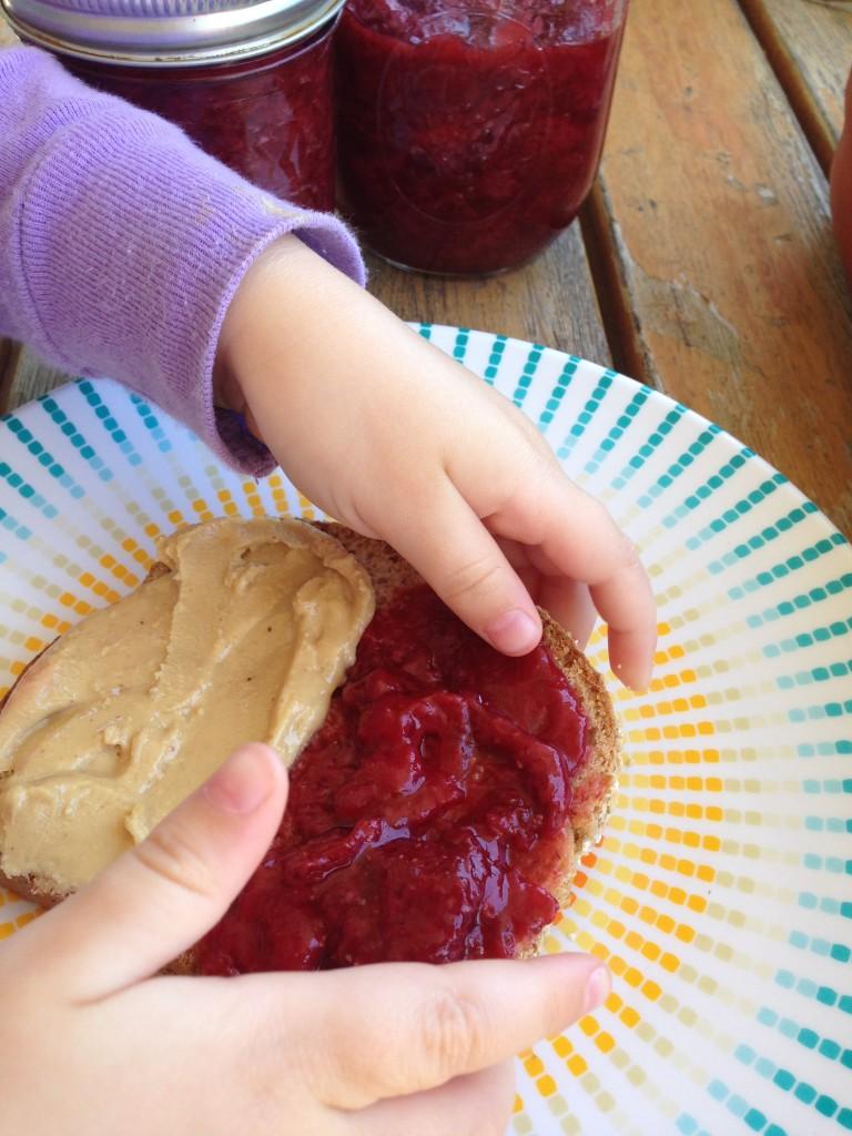 the best strawberry jam - low sugar, no pectin